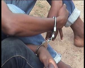 Des jeunes gens arrêtés pour contrefaçon. Ph. M3 Didier
